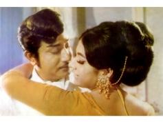 Sivaji Ganesan and Vanisree Romance Pics