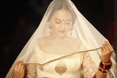 Sonakshi Sinha's Dabangg 2 Movie Still