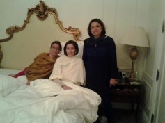 Manisha Koirala posts pictures before her surgery