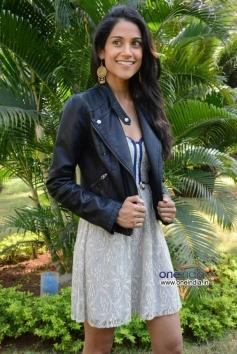 Gorgeous Melanie Kannokada