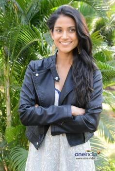 Cute Actress Melanie Kannokada