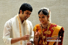Rahul Ravindran, Niti Taylor