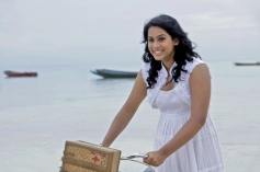 Kadal Actress Thulasi Nair Photo