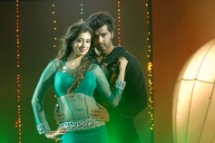 Vinay and Lakshmi Rai Still From Onbadhula Guru
