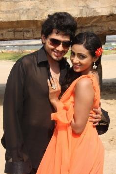 Panivizhum Nilavu Movie Pics