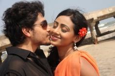Panivizhum Nilavu Movie Hot Photos