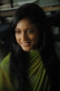 Uyir Mozhi Movie Actress