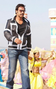 Ajay Devgan Still From Himmatwala