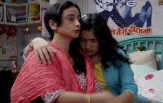 Divya Dutta and Riya Vij Still From Gippi