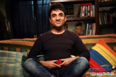 Vir Das Still From Go Goa Gone
