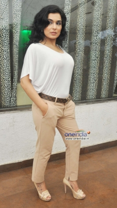 Meera at Bhadass Film promotion