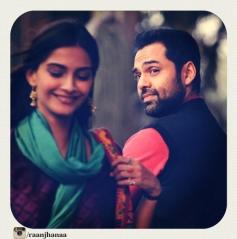 Sonam Kapoor and Abhay Deol Still From Raanjhnaa