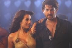 Ameesha Patel & Neil Nitin Mukesh Still From Shortcut Romeo