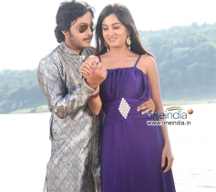 Akash and Shruthi in Kannada Film Neralu