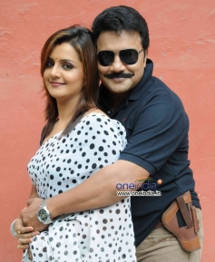 Charulatha and Saikumar in Kannada Movie Kaligaala