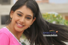 Niti Taylor still from Pelli Pusthakam Movie