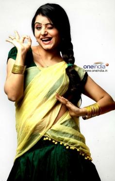 Aakanksha in Paani Poori Movie
