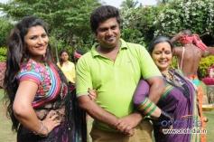 Neetu, Rangayana Raghu in Kannada Movie Ice Pice