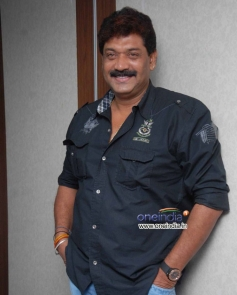 Shobaraj at Dasavala Press Meet