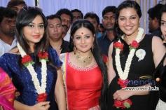 Ramya Barna, Pooja Gandhi, Bhavana at Kannada Movie Abhinetri Muhurat