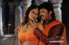 Deepa Sanniddi and Ganesh in Kannada Movie Sakkare