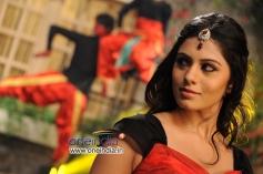 Deepa Sanniddi in Kannada Movie Sakkare