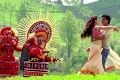 Deepika Padukone and Shahrukh Khan still from Titli song of Chennai Express