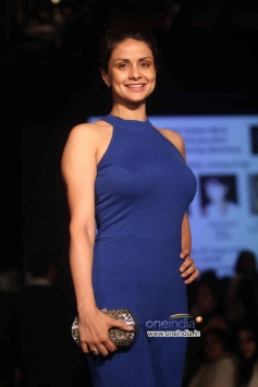 Gul Panag walks the ramp for Global Desi at LFW Winter/Festive 2013 Day 03