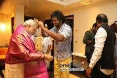 Manchu Vishnu meets Narendra Modi