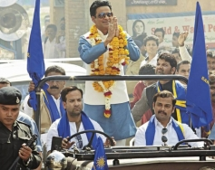 Manoj Bajpai still from Satyagraha