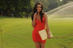 Maryam Zakaria still from Grand Masti