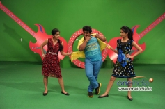 Meera Nandan, Komal and Jasmine in Kannada Movie Karodpathi