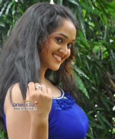 Mounika (Telugu Actress)