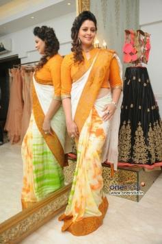 Nagma wearing Independence Day Saree