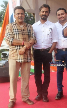 Nawazuddin Siddiqui present at MP Sanjay Nirupam's Dahi Handi Celebration