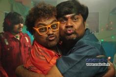 Sadhu Kokila and Rangayana Raghu in Kannada Movie Chaddi Dosth