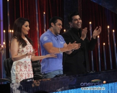 Salman Khan with JDJ 6 judges Madhuri Dixit and Karan Johar