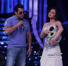 Salman Khan with JDJ 6 show contestant
