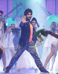 Shahid Kapoor still from Phata Poster Nikla Hero