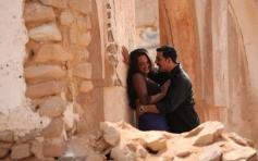 Sonakshi Sinha and Akshay Kumar romantic still from OUTIMD