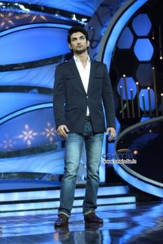 Sushanth Singh at Shudh Desi Romance Movie Promotion at DID Super Mom