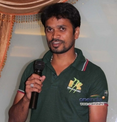 Actor at Film Mamu Tea Angadi Press Meet