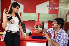 Actress Manochitra and Srikanth in Malligadu Marriage Bureau