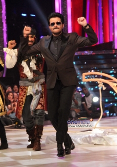 Anil Kapoor promotes 24 India tv show at Jhalak Dikhhla Jaa 6