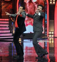 Anil Kapoor shake a leg with Salman Khan at on the sets of Bigg Boss7