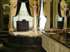 Bathroom of Shahrukh Khan Mannat