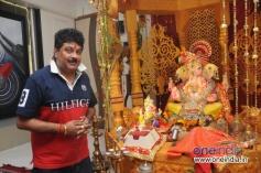 Bharti Mehra offers prayer to Ganpati