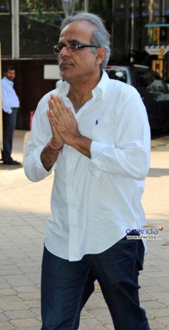 Celebs at Prayer meeting of Madhuri Dixit father