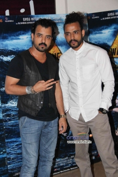 Celebs at special screening of Warning