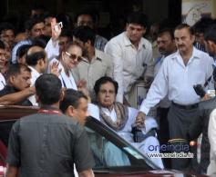 Dilip Kumar along with his wife Saira Banu snapped outside Lilavati Hospital